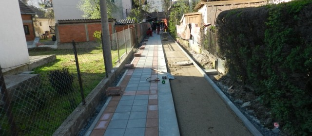 Радови на поправци и одржавању  поплочаних и асфалтираних тротоара