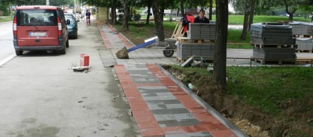 Радови на одржавању тротоара на територији Градске општине Обреновац