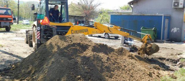 Радови на проширењу кишне канализације у Баричу