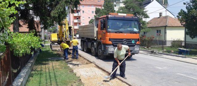 Настављају се радови на тротоарској мрежи у Обреновцу